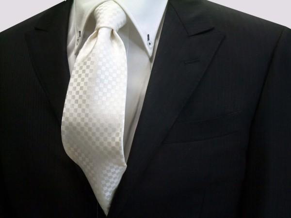 定番・市松模様 ネクタイ【白(ホワイト)(少し黄身かかっています)結婚式用市松模様ネクタイ】