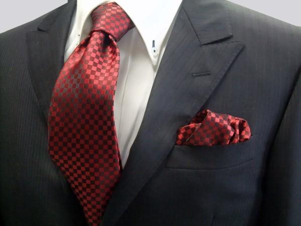 ネクタイ・チーフセット【濃い赤(レッド)の市松模様ネクタイ&ポケット