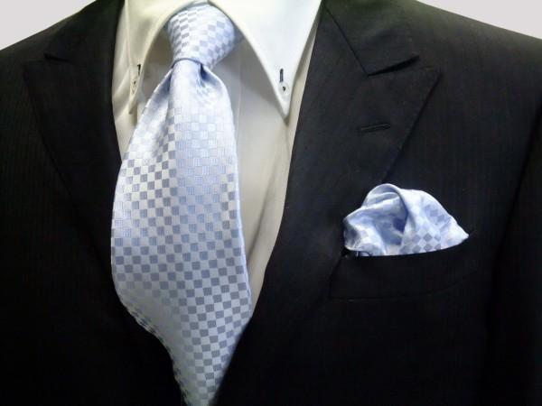 ネクタイ・ポケットチーフセット【水色の市松模様ネクタイ&ポケットチーフセット】