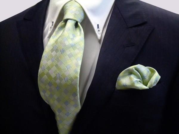 ネクタイ・ポケットチーフセット【ライトグリーンのグラデーション(4色)の市松模様ネクタイ&チーフセット】