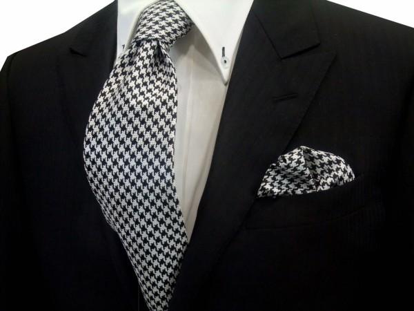 ネクタイ・チーフセット【黒×きなりの千鳥格子ネクタイ&ポケットチーフセット】