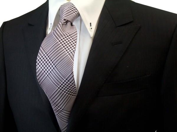 ネクタイ【ピンクと紺(ネイビー)のグレンチェックネクタイ】