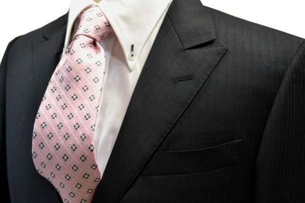 ネクタイ【ピンクの織柄に地にチャコールグレーと白の小紋柄ネクタイ】
