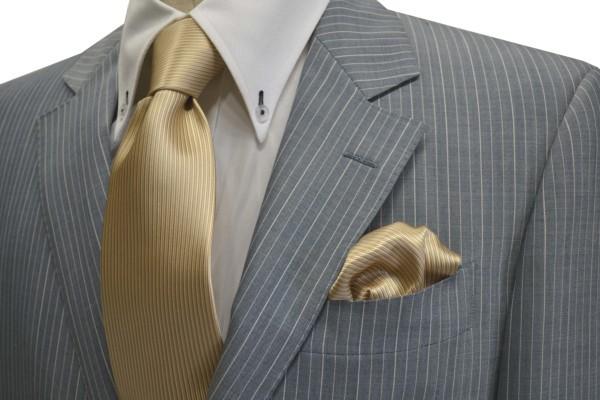 ネクタイ・ポケットチーフセット【ベージュのソリッド(無地)ネクタイ&ポケットチーフセット】