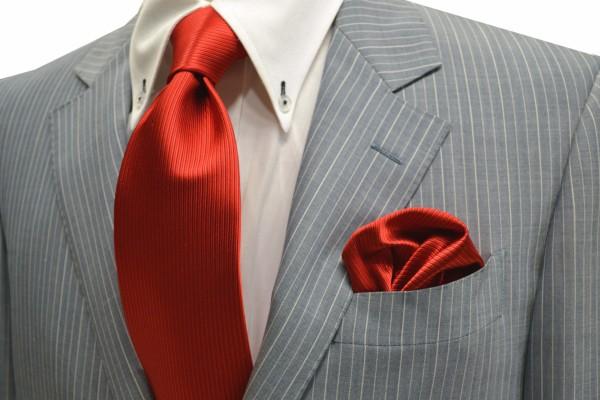 ネクタイ・ポケットチーフセット【レッド(赤)少しオレンジかかったソリッド(無地)ネクタイ・チーフセット】