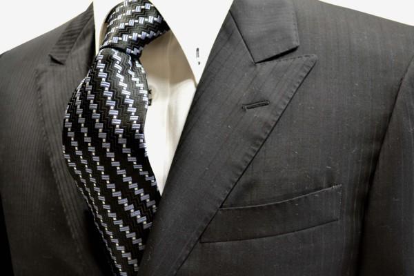 ネクタイ【黒(ブラック)地にグレーとシルバーの小紋柄ネクタイ】