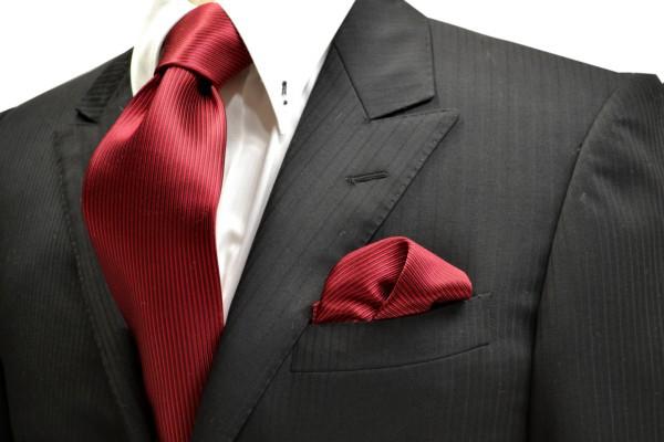 ネクタイ・ポケットチーフセット【濃い赤(少しワインぽい赤)ソリッド(無地)ネクタイ&チーフセット】