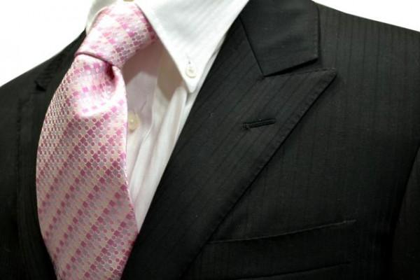 ネクタイ【ピンクのグラデーション地に小さい水玉と小さい正方形柄のネクタイ】
