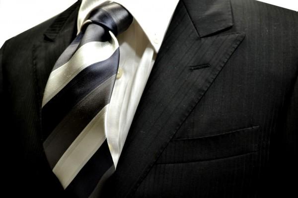 ネクタイ【墨黒とグレーとライトシルバーのストライプネクタイ】