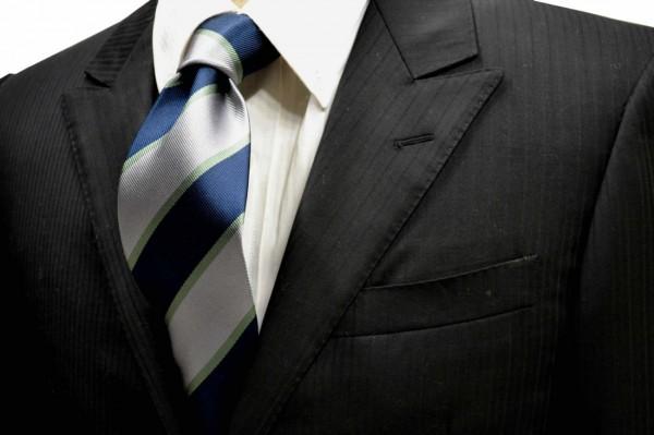 ネクタイ【ネイビーとグレーと細いグリーンのストライプネクタイ】