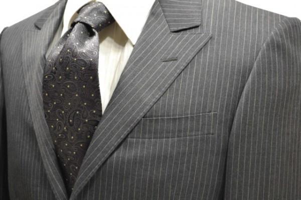 定番・市松模様 ネクタイ【チャコールグレーに生成りのペイズリー柄ネクタイ】