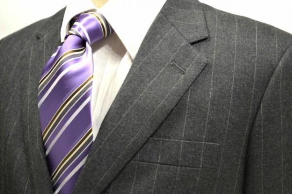 ネクタイ【明るい紫地にシルバーと茶色と白のストライプネクタイ】