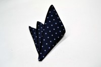 ポケットチーフ【紺(ネイビー)地に水色のドット(水玉)のポケットチーフ】