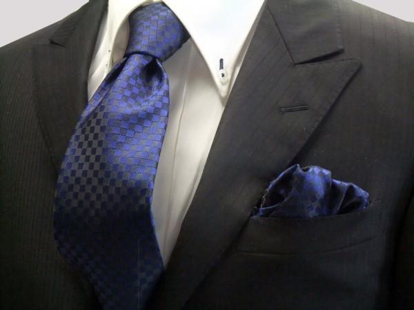 ネクタイ・チーフセット【濃い青(ブルー) 市松模様ネクタイ&ポケットチーフセット】