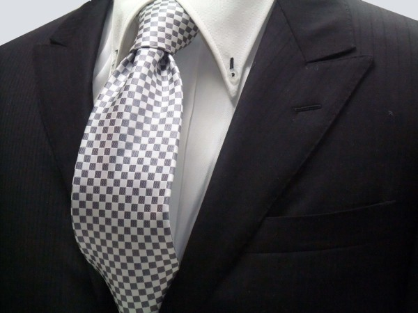 定番・市松模様 ネクタイ【ホワイト(白)×シルバーグレー市松模様ネクタイ】