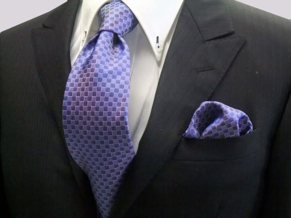 ネクタイ・ポケットチーフセット【ブルー(青紫)市松模様ネクタイ&ポケットチーフセット】