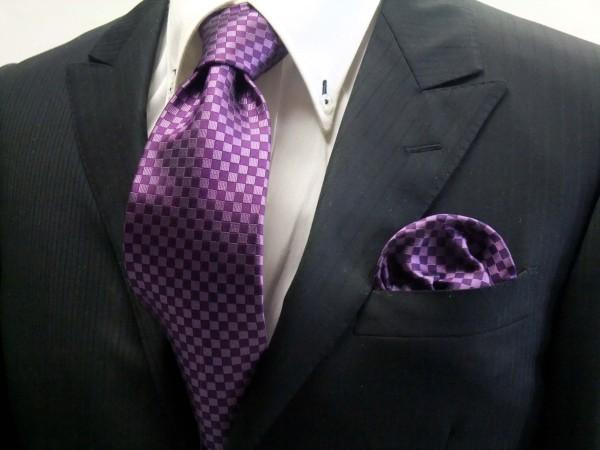 ネクタイ・ポケットチーフセット【少し明るめの紫(パープル)市松模様ネクタイ&ポケットチーフセット】