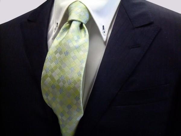 ネクタイ【ライトグリーンのグラデーション(4色)の市松模様ネクタイ】