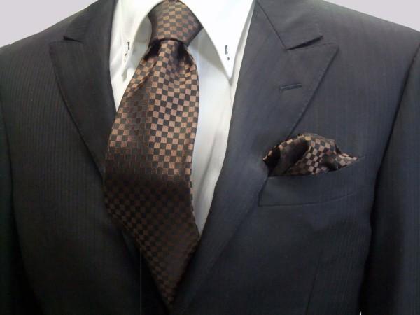 ネクタイ・チーフセット【ブラゥン(茶)×ブラック市松模様ネクタイ&ポケットチーフセット】