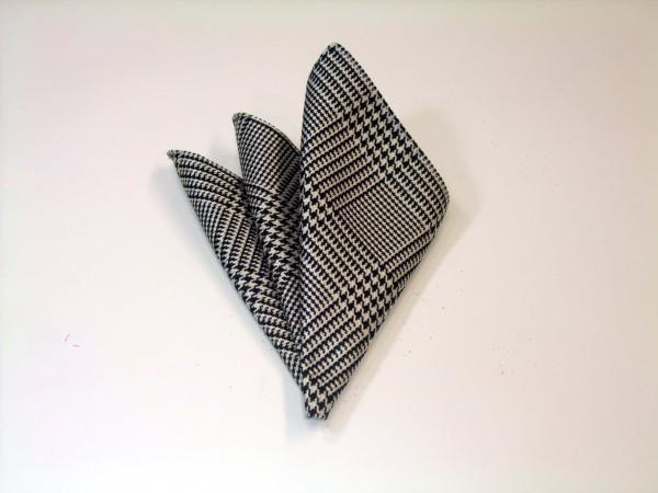 ポケットチーフ【黒(ブラック)と白のグレンチェックポケットチーフ】