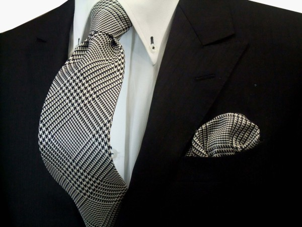 ネクタイ・チーフセット【黒(ブラック)と白のグレンチェックネクタイ&ポケットチーフセット】