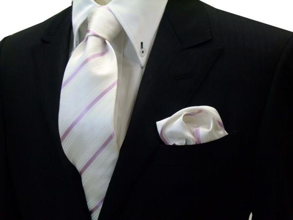 ネクタイ・ポケットチーフセット【白の織柄地にピンクの濃淡のストライプネクタイ&チーフセット】