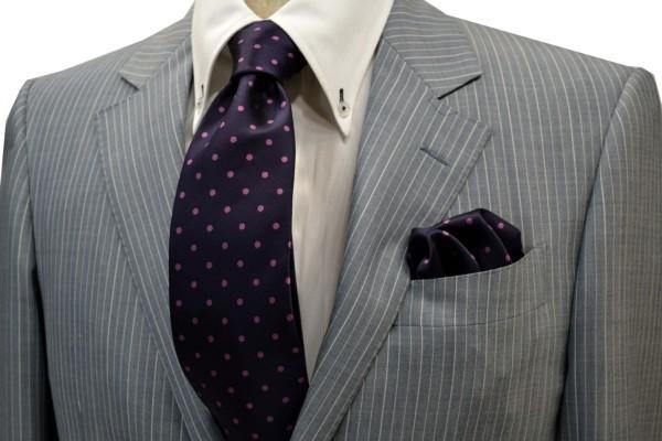 ネクタイ・チーフセット【濃い紫地に濃いピンクのドット5mm(水玉)柄ネクタイ&チーフセット】