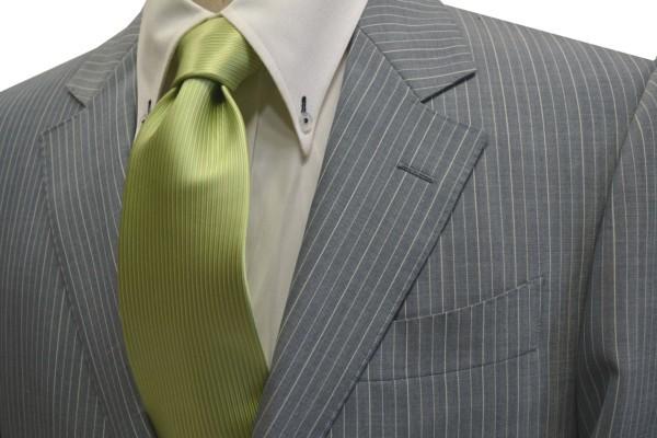 ネクタイ【アップルグリーン(薄い黄緑)のソリッドネクタイ】