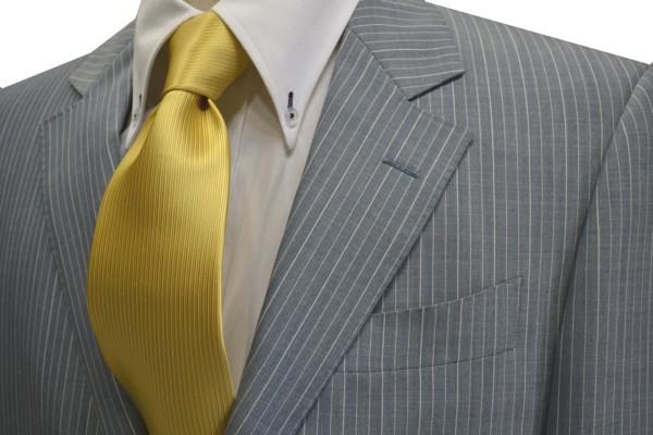 ネクタイ【濃い黄色(薄いゴールド)のソリッドネクタイ】