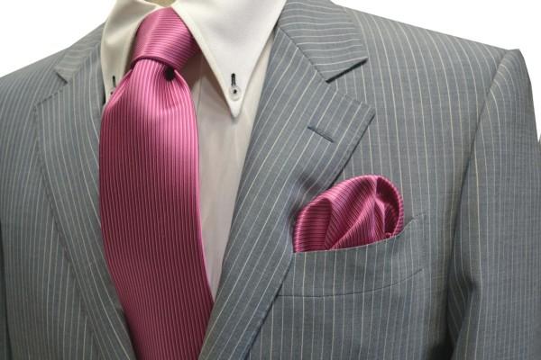 ネクタイ・ポケットチーフセット【ローズピンクのソリッド(無地)ネクタイ&チーフセット】