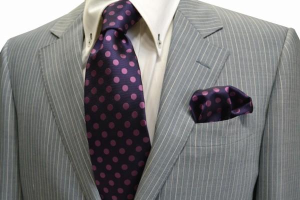 ネクタイ・チーフセット【濃い紫地に濃いピンクのドット8mm(水玉)ネクタイ&ポケットチーフセット】