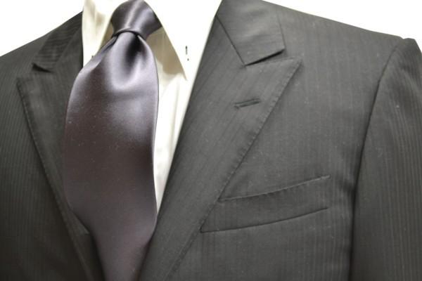 ネクタイ【濃いグレーのネクタイ】