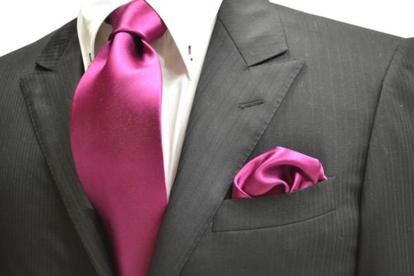 ネクタイ・ポケットチーフセット【濃いローズピンクのネクタイ・チーフセット】