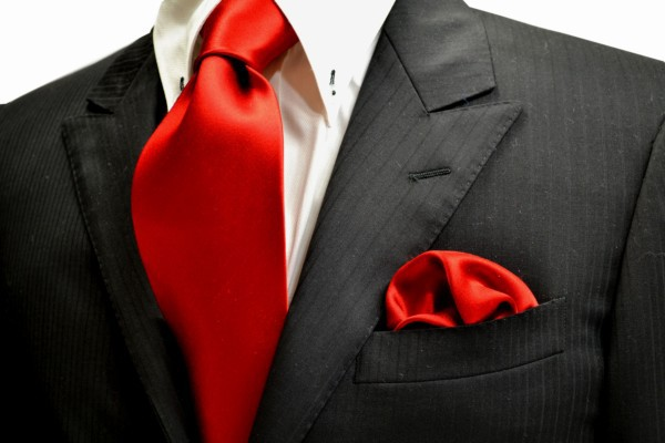 ネクタイ・チーフセット【綺麗な赤のネクタイ&ポケットチーフセット】