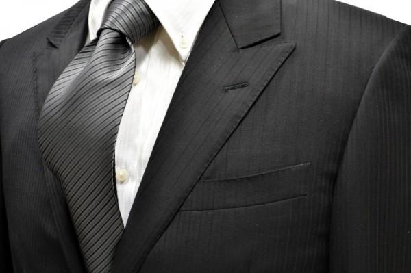 ネクタイ【チャコールグレーの濃淡と黒の無地ストライプネクタイ】