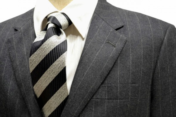 定番・市松模様 ネクタイ【黒縦縞とグレーミックスのストライプネクタイ】