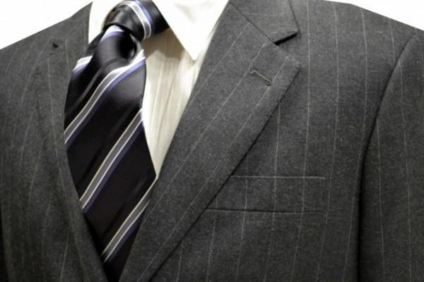 定番・市松模様 ネクタイ【チャコール地にブラックとホワイトとグレーのストライプネクタイ】