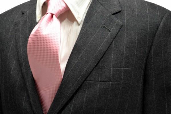 ネクタイ【濃いピンク色のバスケット織ネクタイ】