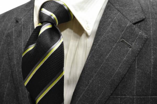 定番・市松模様 ネクタイ【ブラック地にグリーン、シルバー、グレーのストライプネクタイ】