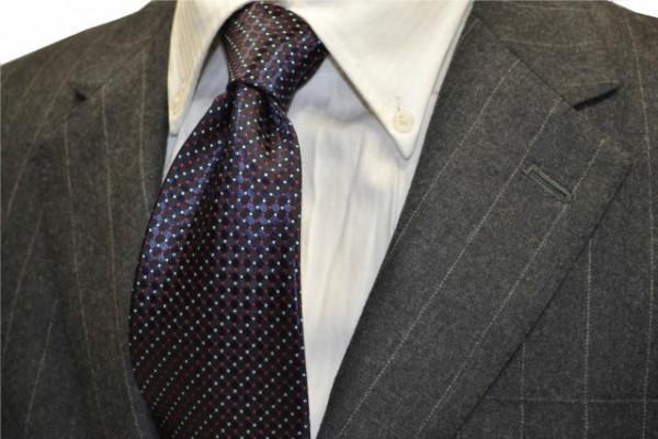 ネクタイ【濃いネイビー地にレッド(赤)とホワイトの小紋柄ネクタイ】