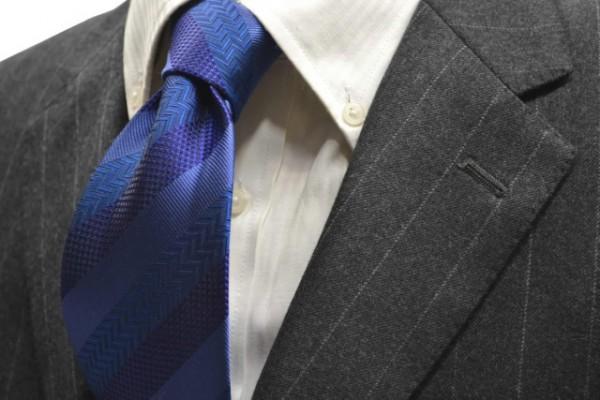 定番・市松模様 ネクタイ【紺(ネイビー)、ブルーの黒だて【段落ち無地】ストライプネクタイ】