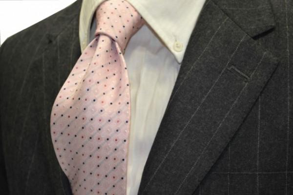 ネクタイ【ピンク地に、ホワイト、ピンク、ネイビーの小紋柄ネクタイ】