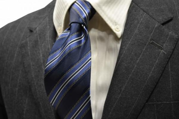定番・市松模様 ネクタイ【紺(ネイビー)、ブルー、ホワイトのストライプネクタイ   】